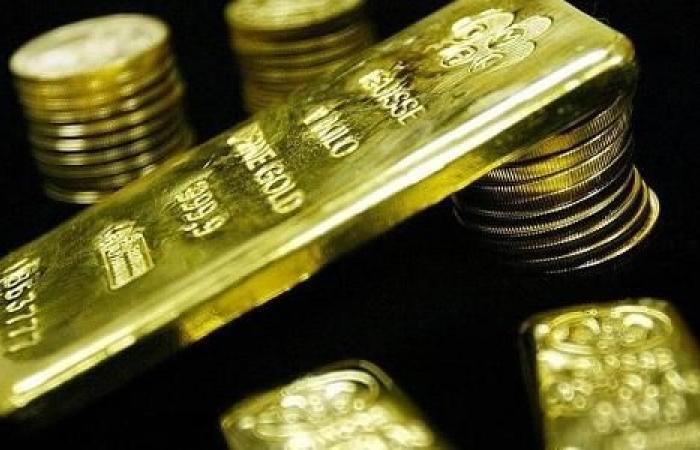 الذهب يتراجع مع تخفيف القيود المرتبطة بكورونا