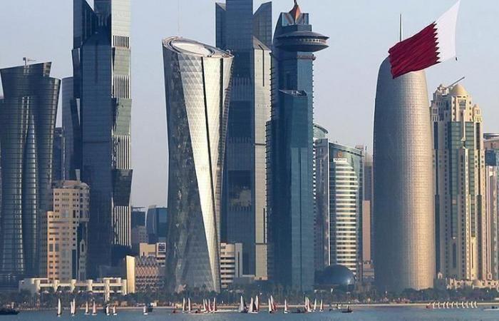 الخطوط الجوية القطرية تتوقع إعادة فتح مسارات هذا الشهر