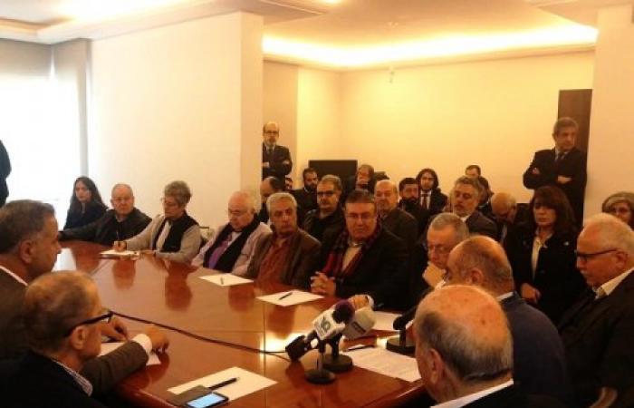 حركة المبادرة الوطنية: الحكومة عاجزة وأسيرة قرار حزب الله