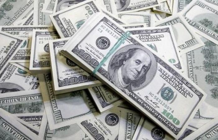مع استمرار اضراب الصرّافين... كم بلغ سعر الدولار في السوق السوداء؟