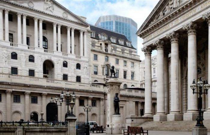 بنك انكلترا يتوقع تراجع إجمالي الناتج الداخلي 14 بالمئة