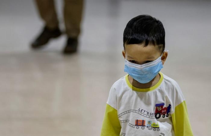 لا يعانون من أعراض تنفسية.. كيف تعرف أن طفلك أصيب بكورونا؟