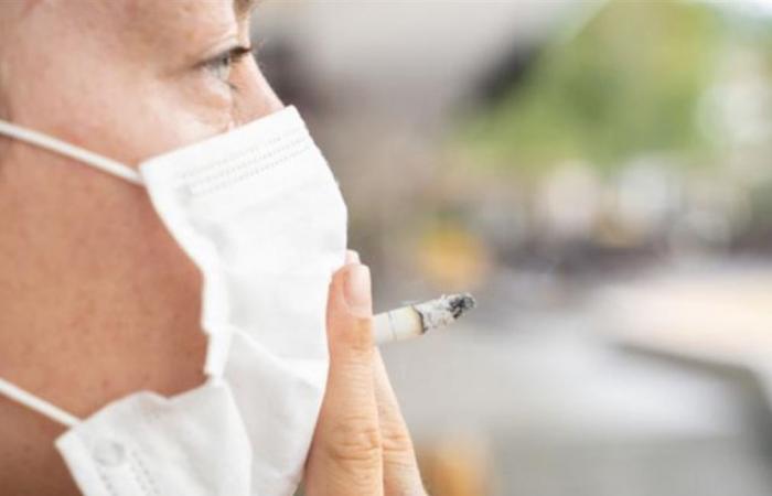 هل التدخين يحمي من كورونا؟ منظمة الصحة العالمية تحسم الجدل