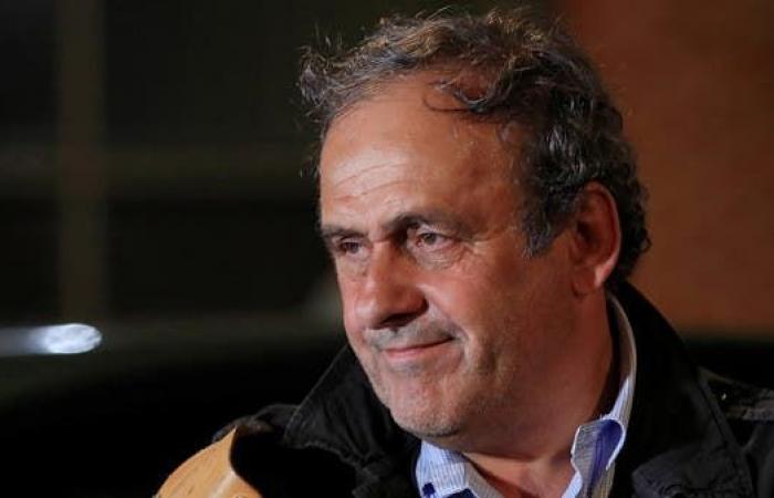 """بلاتيني يتهم إنفانتينو بالتواطؤ ويطالبه بالتنحي عن رئاسة """"فيفا"""