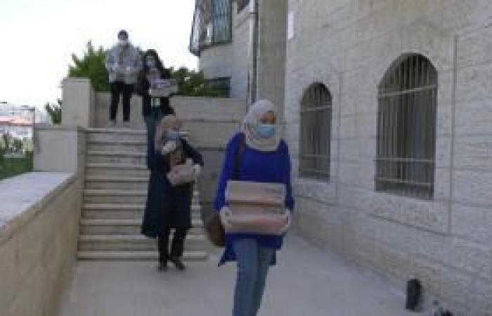 فلسطين   إطلاق حملة من امرأة لامرأة لمساعدة من فقدن أعمالهن بسبب كورونا