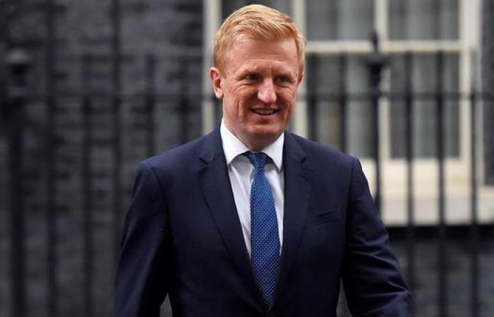 الحكومة البريطانية تمنح كرة القدم الضوء الأخضر للاستئناف في يونيو