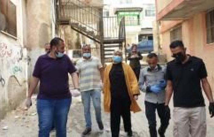 فلسطين   غنام تتفقد أحوال مخيم الجلزون وتقدم مساعدات لمحتاجين