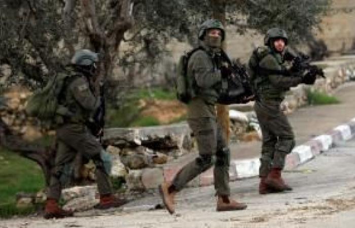 فلسطين | الاحتلال يعتقل 8 مواطنين فجر الخميس