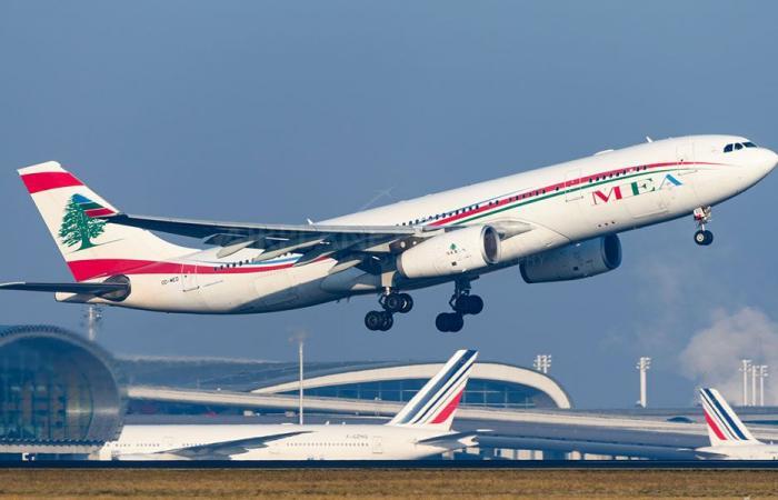 وصول طائرة الـMEA من تركيا وعلى متنها 124 راكبا