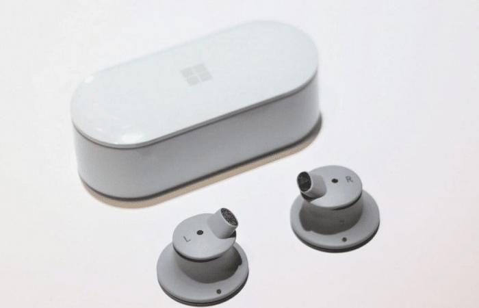 تعرف على سماعات مايكروسوفت Surface Earbuds اللاسلكية