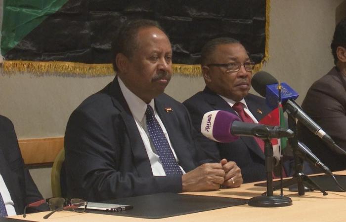 مصر   السيسي يتصل بالبرهان.. ومشاورات حول قضايا إقليمية