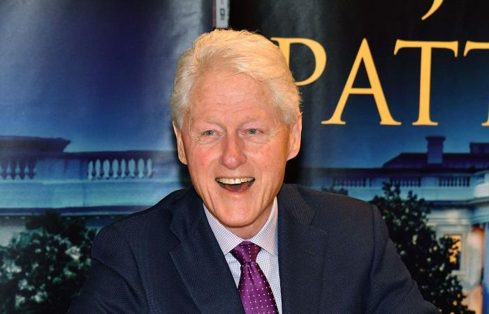 """بعد """"الرئيس المفقود"""".. كلينتون يستعد لإصدار روايته الجديدة"""