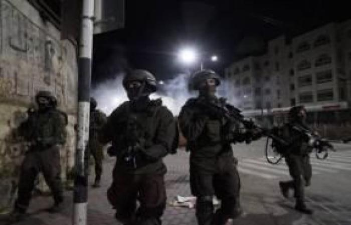 فلسطين | الاحتلال يعتقل مواطنة وابنتها في يعبد للمرة الرابعة