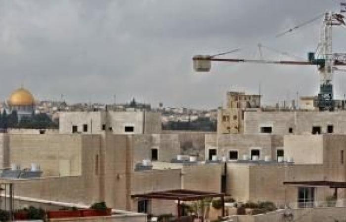 فلسطين | تقرير: عشية الذكرى الـ53 لاحتلالها، مخططات الاستيطان والتهويد تتواصل بالقدس الشرقية