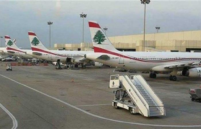 وصول طائرتين من لارنكا والدوحة ومغادرة طائرة تقل مصريين