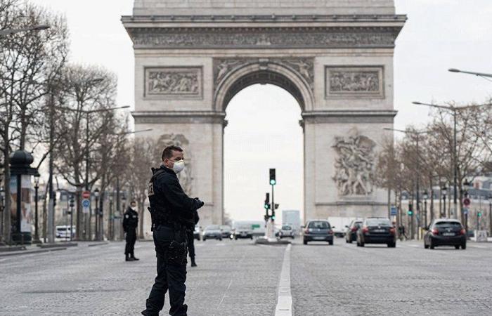 صحيفة فرنسية: كورونا بدأ يتلاشى عالميا وسيختفي خلال شهر!