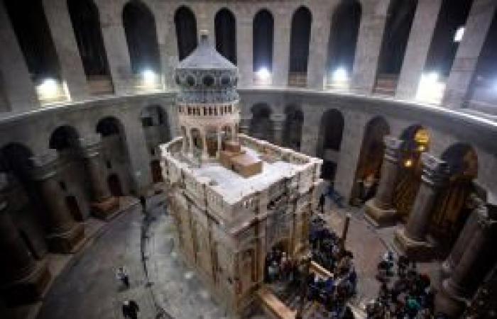 """فلسطين   القدس.. كنيسة """"القيامة"""" تعيد فتح أبوابها"""