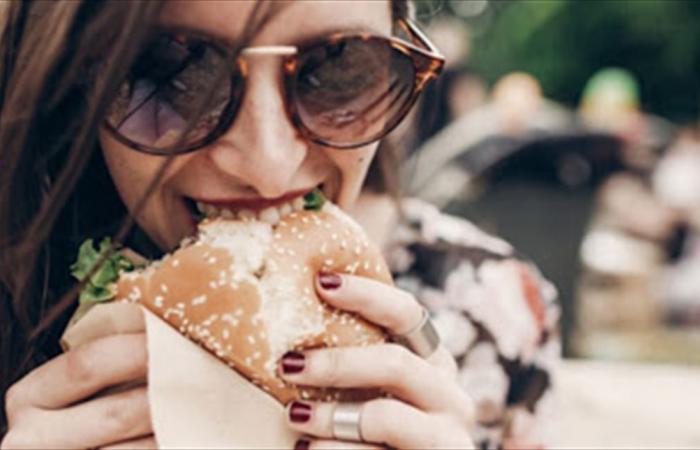 تعرفوا إلى أكثر 3 أطعمة فعالة لرفع معنوياتكم
