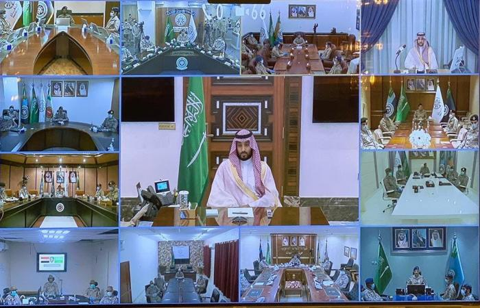 السعودية | ولي العهد السعودي يقدم تهنئة العيد لمنسوبي وزارة الدفاع