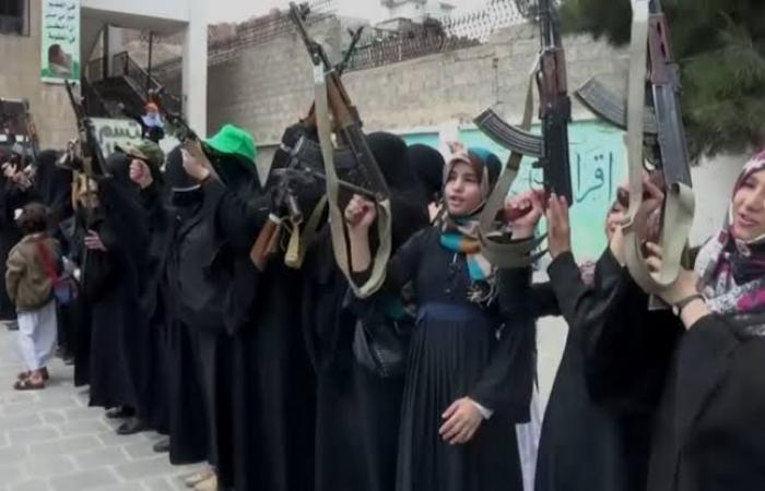 """اليمن   جديد الحوثي بعد """"الزينبيات"""".. """"فاطميات"""" لنشر الأفكار"""