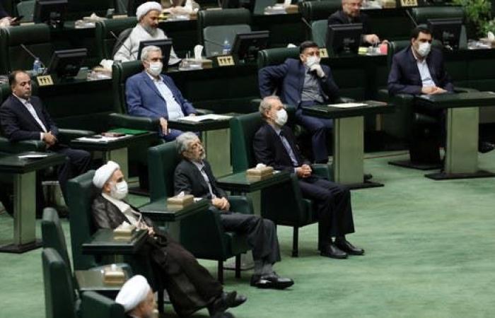 إيران | برلمان إيران الجديد.. يتبع خط المرشد ولا يدافع عن الحكومة