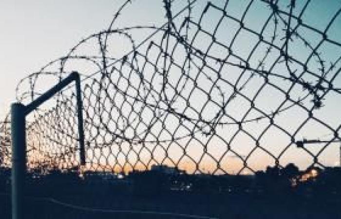 فلسطين   عزل مئات السجناء والسجانين بعد إصابة جنديين بفيروس كورونا
