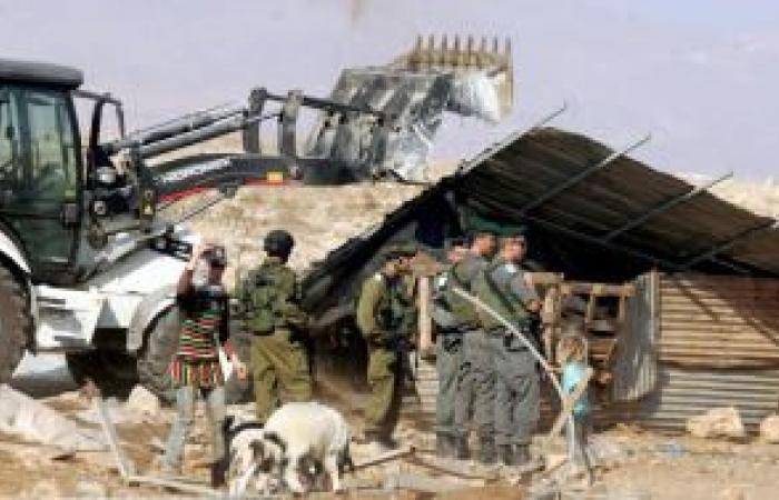 فلسطين   الاحتلال يهدم 5 مساكن في السواحرة ويستولي على محتوياتها