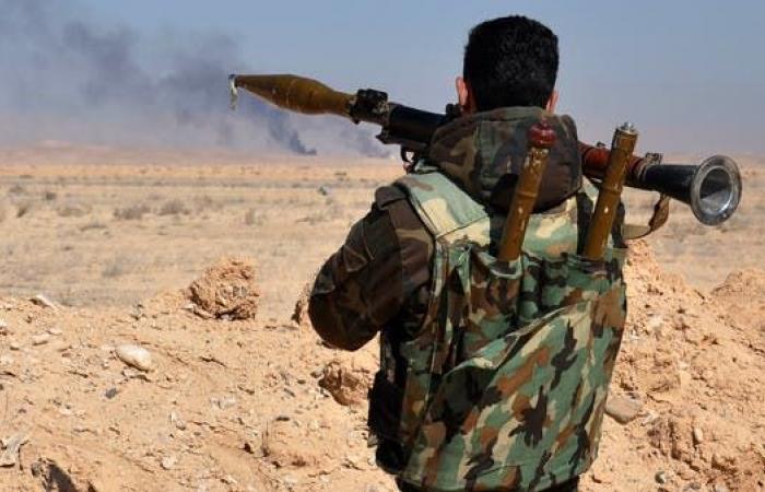 سوريا | 44 قتيلاً في معارك بين النظام وداعش في البادية السورية