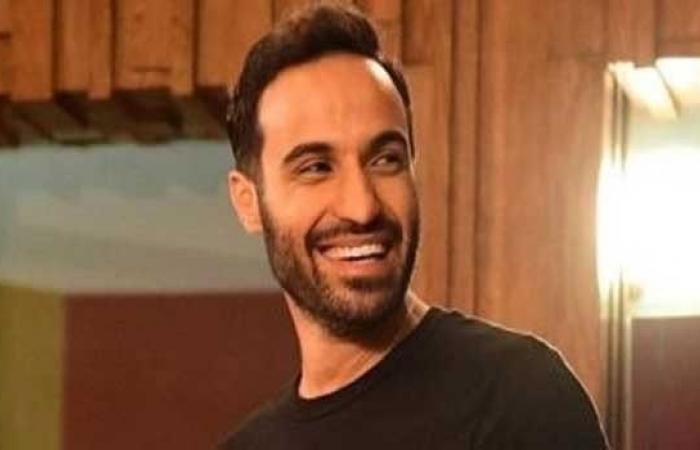 أحمد فهمي يعلن عودة حسابه على انستغرام بعد سرقته
