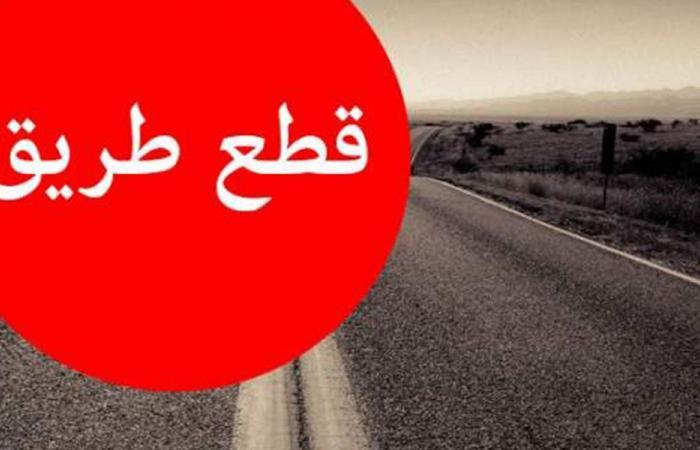 قطع طريق بعلبك – حمص احتجاجاً على عدم توافر المازوت