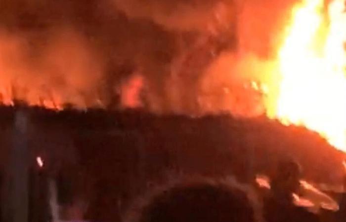حريق مولدات في مؤسسة في صور