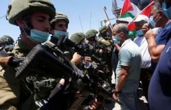 فلسطين | إصابات بالاختناق خلال قمع مسيرة مناهضة للاستيطان في عصيرة الشمالية