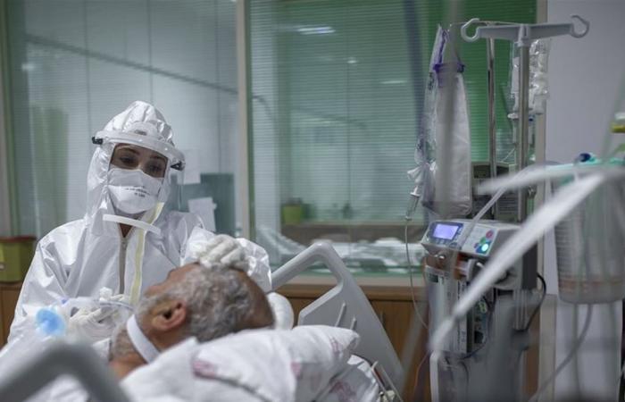مصابون بكورونا عانوا من العوارض لفترات طويلة... حالات لفتت انتباه الأطباء
