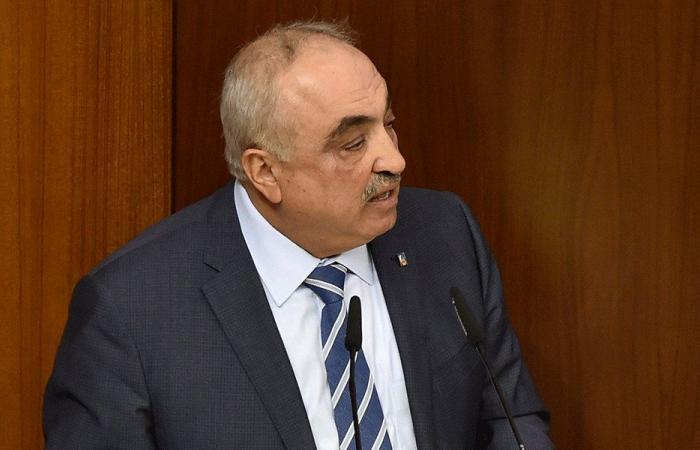 الحجار عن دياب: اشترطوا عليه الرئاسة مقابل عدم الاستقالة!