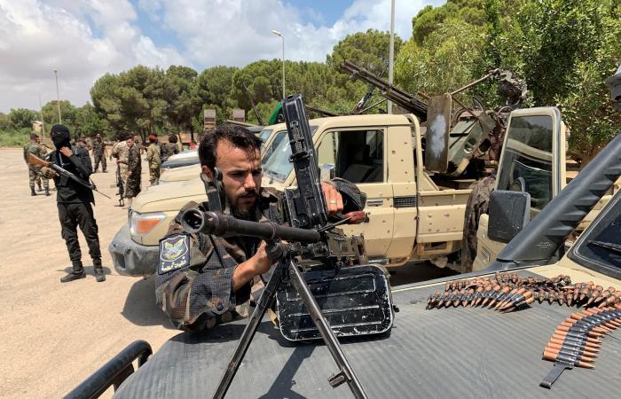 سرت على صفيح ساخن.. الوفاق تحشد برا والجيش يستطلع بحرا
