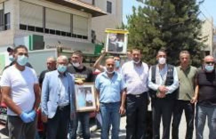 فلسطين   اعتصام أمام الصليب الأحمر في بيت لحم تضامنًا مع الأسرى