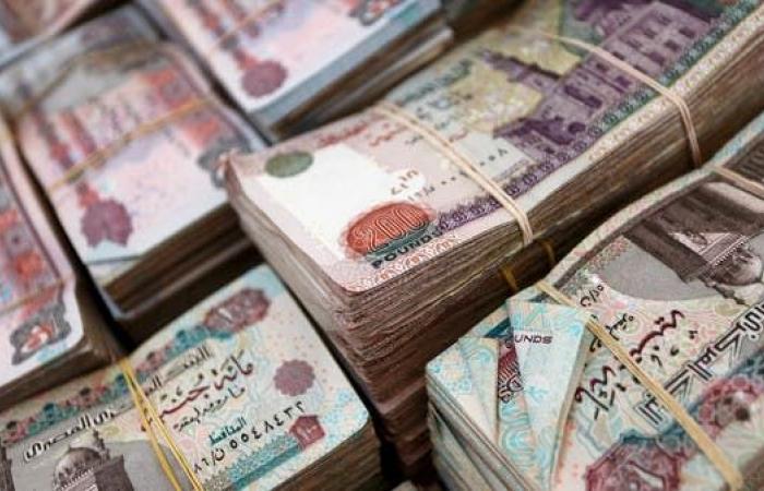 عجز موازنة مصر يقفز 18% لـ 389 مليار جنيه في 11 شهر