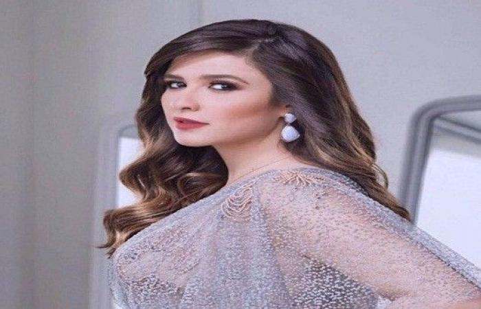 """ياسمين عبد العزيز تتصدر """"التريند"""" بفيديو مع زوجها"""