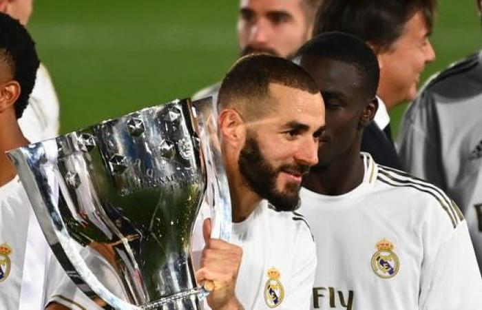 استفتاء: بنزيمة أفضل لاعب في الدوري الإسباني