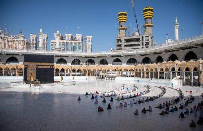 السعودية | حج هذا العام من رفع ثوب كسوة الكعبة إلى وضع الحواجز