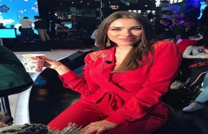 الفنانة اللبنانية دانييلا رحمة تثير حيرة جمهورها حول خطوبتها