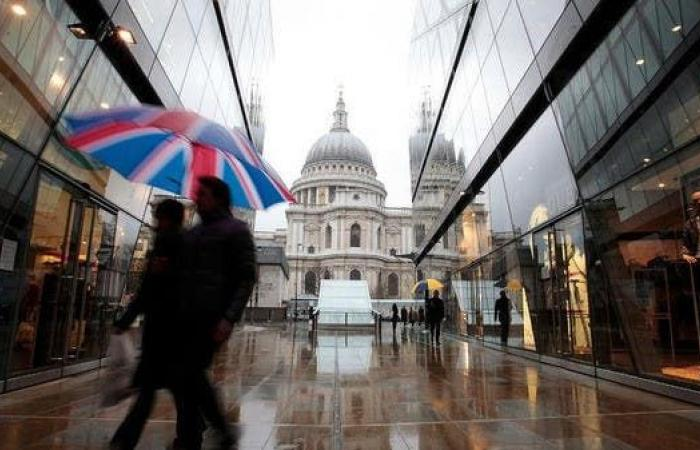 بريطانيا.. مستوى قياسي للاقتراض عند 128 مليار إسترليني