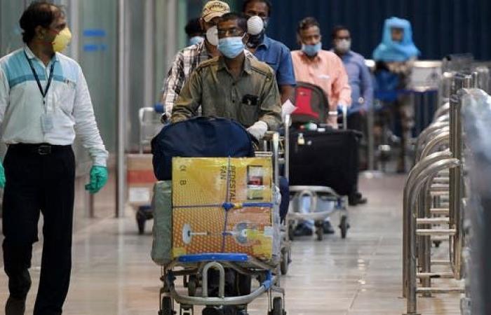 الخليج   الإمارات تلزم جميع القادمين إليها بإجراء فحص تشخيص كورونا