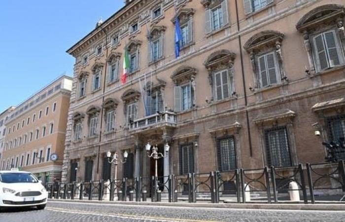 مجلس الشيوخ الإيطالي يجيز رفع عجز الميزانية إلى 12%