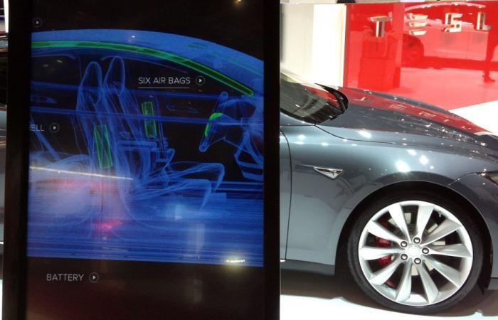 تيسلا تورد البطاريات لشركات صناعة السيارات الأخرى
