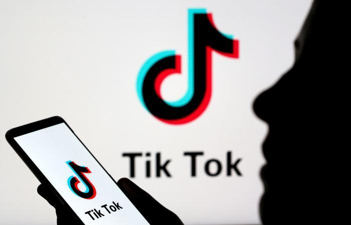 """ترمب: منع تطبيق """"تيك توك"""" خلال 24 ساعة"""