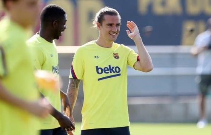 غريزمان وديمبلي ينعشان تدريبات برشلونة قبل لقاء نابولي