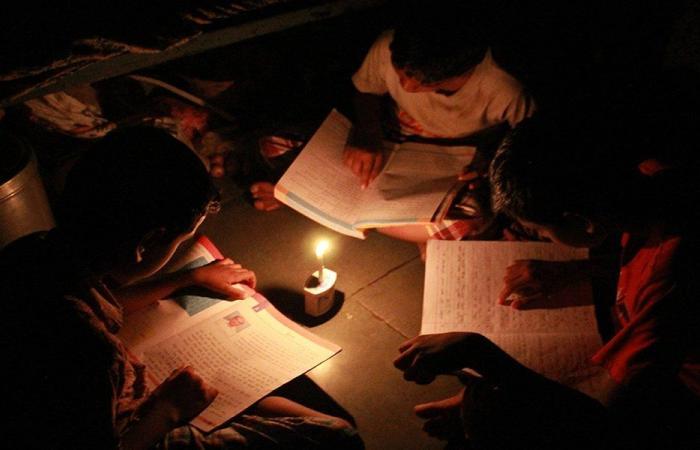 أزمة الكهرباء تحوّل يوميات اللبنانيين إلى معاناة وذل