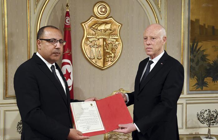 حكومة تونس على نار هادئة.. هل تخلو من النهضة؟
