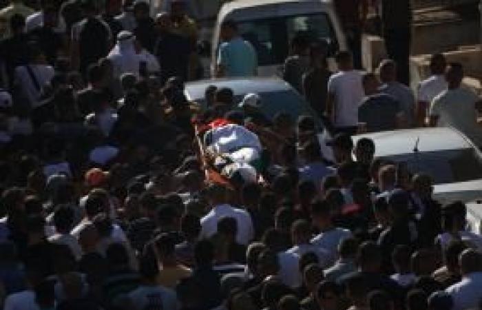 فلسطين | جماهير غفيرة تشييع جثمان الشهيدة سمودي في جنين